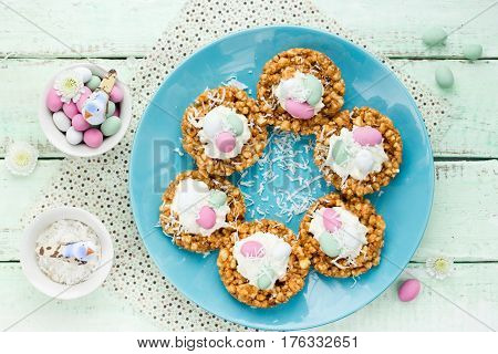 Easter nest cookies - quick and easy recipe to create bird nest cookies for Easter or an Outdoor Garden Party