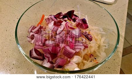 Sauerkraut With Red Onion