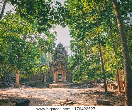 Ta Som Temple in Angkor Complex, Siem Reap, Cambodia. The temple consists of a single shrine located on one level and surrounded by enclosure laterite walls. Ancient Khmer architecture, World Heritage