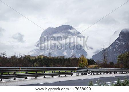 Weathet, snow, beautiful alpine landscape alpinism ski, Way Road