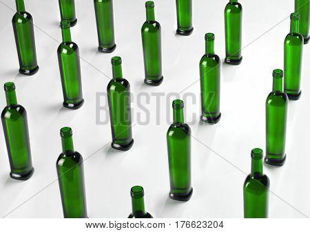 Bodegon de Botellas de Vidrio Ordenadas y Agrupadas