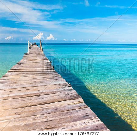 Jetty to the blue Way to Yourself