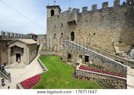 La Rocca Fortless On Borgo Maggiore