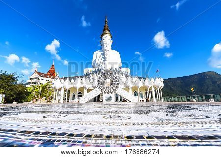 Phetchabun August 27 2016 : Wat Pha Kaew place a fairly spectacular landscape which is called Pha hidden glass. And the towering peaks of the cave on the mountain. is considered a sacred place.