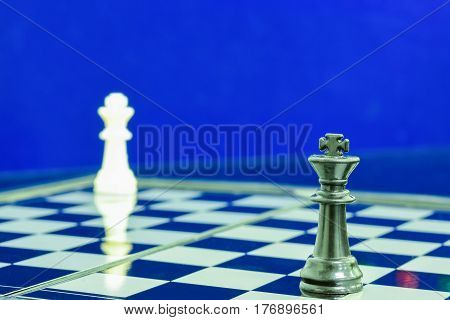black king and white king in cornner chess game