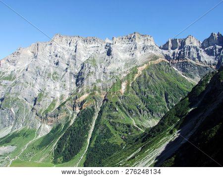 View To The Mittler Selbsanft Plattas Alvas Peak In Mountain Mass Glarus Alps - Canton Of Glarus, Sw