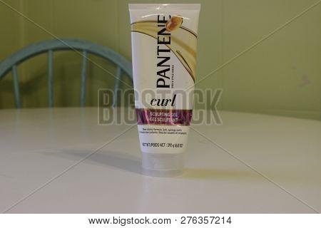 London Canada - January 01 2019: Editorial Illustrative Photo Of Pantene Mens Hair Care For Curly Ha