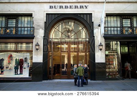 London, England - January 24, 2015: People In Front Of The Burberry Flagship Store In Regent Street,