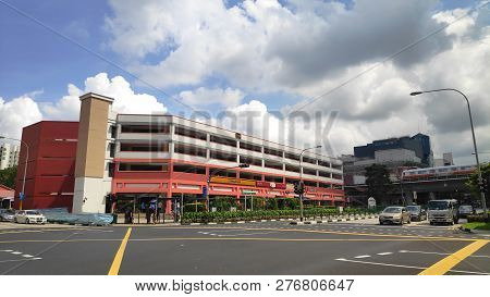 Singapore-27 Dec, 2018: Singapore Shop Houses In Choa Chu Kang And Blue Cloudy Sky