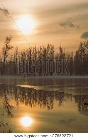 Frozen Lake In Forest Sun Reflection, Winter Reflection Landscape