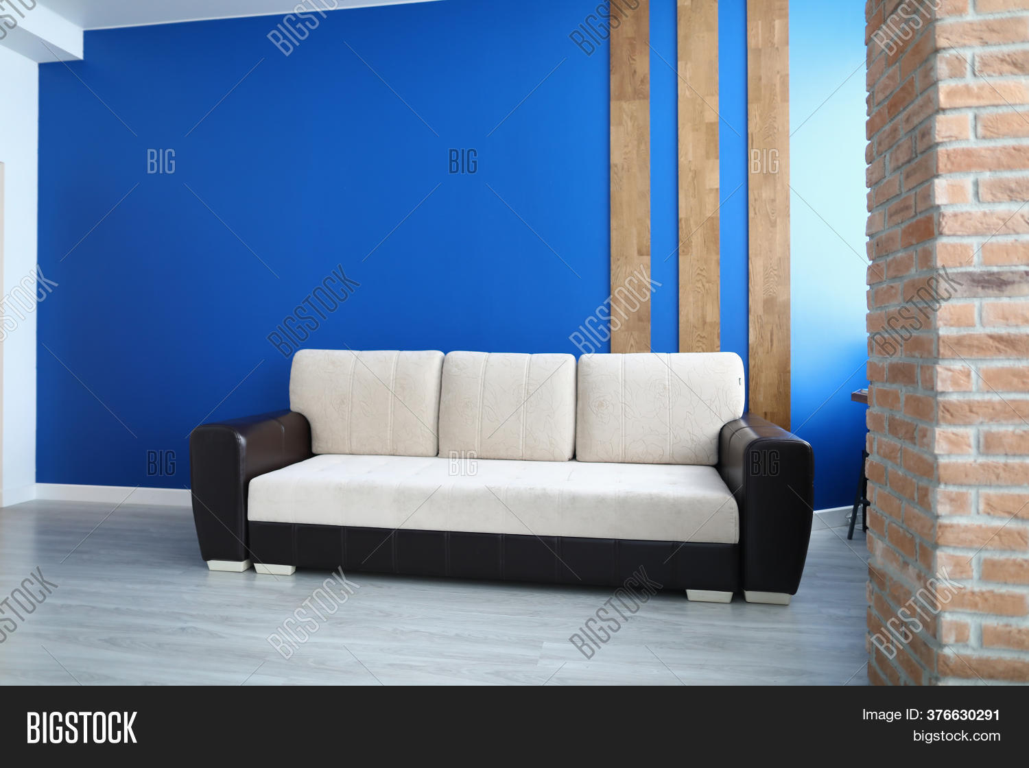 Picture of: Close Comfy Sofa Image Photo Free Trial Bigstock