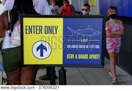 Virginia Beach, U.s.a - June 30, 2020 - The Entrance Sign Into Virginia Aquarium And Marine Science