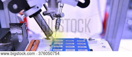 High Technology And Modern Automatic Robot For Print Circuit Board (pcb)assembly Machine During Sold