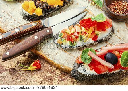 Appetizing Summer Bruschettas