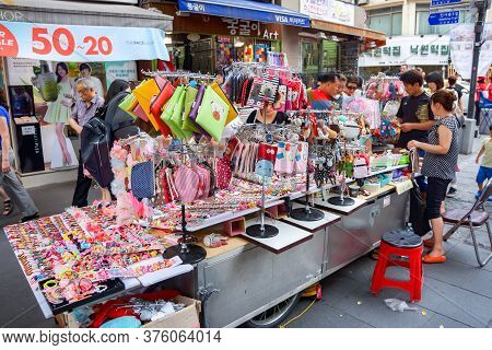 Seoul, South Korea - 1 June 2014, The Retails And Souvenirs Are Salled On The Walking Street In 1 Ju