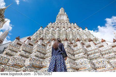 Wat Arun Stupa The Temple Of Dawn Or Wat Arun Ratchawararam Ratchawaramahawihan The Beautiful Ancien