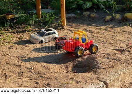 Children\'s Toys Forgotten In The Sandbox 00