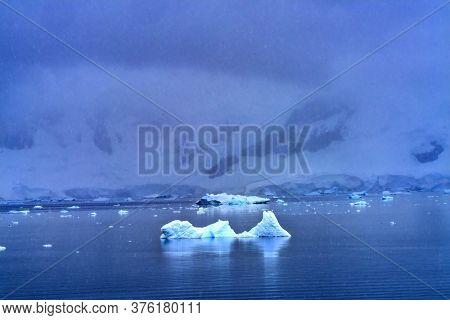 Blue Icebergs Snow Mountains Paradise Bay Skintorp Cove Antarctica