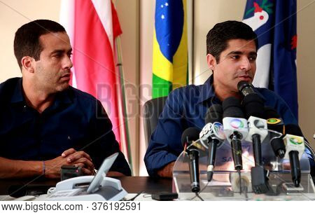Salvador, Bahia / Brazil - October 3, 2016: Bruno Reis, Vice Mayor Of Salvador, Talks With Acm Neto,