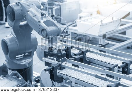 The Material Handling Process By Automatic Robotic System. The Hi-autonomous Technology  Production