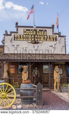 Williams, Arizona, Usa - August 10, 2014: Double Eagle Tradng Company, A Gift Shop Alonmg The Road I
