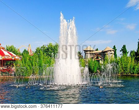 Sochi, Russia, 20 June 2020. Fountain In Sochi Park. Quarantine Coronavirus. No People. Recreation A