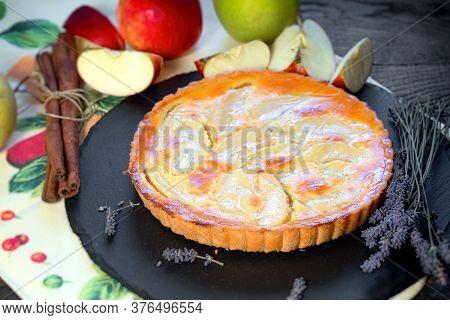 Fresh Baked Apple Tart Pie, Homemade Apple Pie
