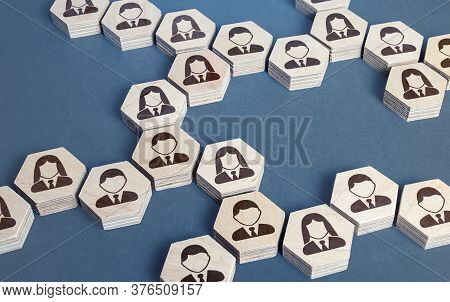 System Structure Of Company Employees As Chains Of Hexagons. Development And Teambuilding. Organizat