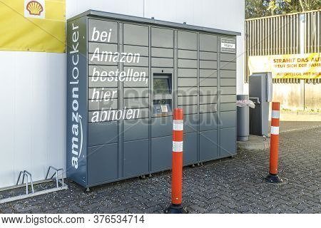 Germany, Wetzlar 2020-04-13: With Amazon Locker You Have The Option Of Having Your Order Delivered A