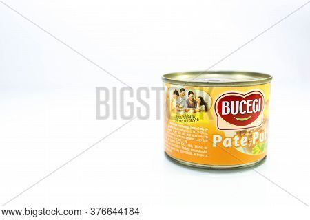 Miercurea Ciuc, Romania- 16 July 2020: Bucegi Chicken Pate In Tin Can On White Background With Roman