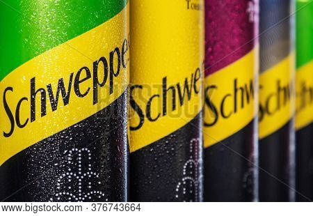 Schweppes Carbonated Drinks In Aluminum Cans With Different Flavors