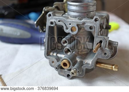 Carburetor Repair And Cleaning. The Carburetor Is 14 Years Old. This Piece Is From A Yamaha Cygnus X