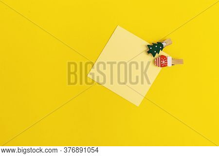 Yellow Paper Memo Note Decorated Christmas Tree. Blank Sticky Square Reminder For Writing Ideas, Thi