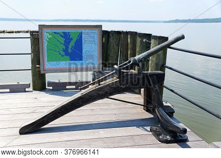Virginia, U.s.a - July 1, 2020 - The Replica Of The Historic Cannon At Jamestown Settlement