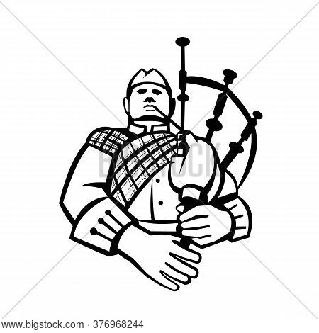 Illustration Of A Scotsman Bagpiper Player Playing Bagpipes Viewed From Front Set Inside Circle On I