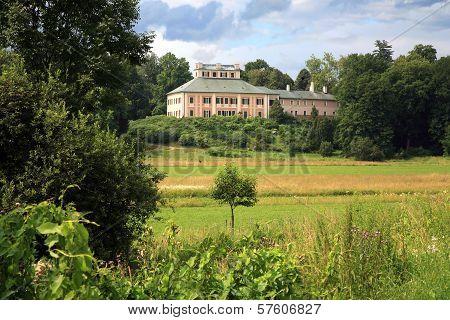 Ratiborice Castle