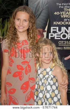 Maude Apatow and Iris Apatow  at the World Premiere of 'Funny People'. Arclight Hollywood, Hollywood, CA. 07-20-09