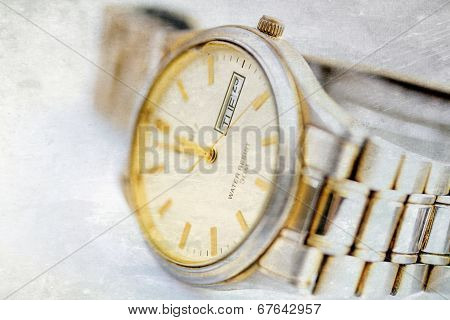 Old Wristwatch With Metal Wristlet