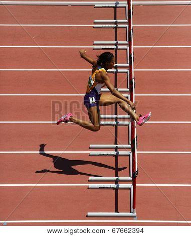 Track Woman Hurdles Run
