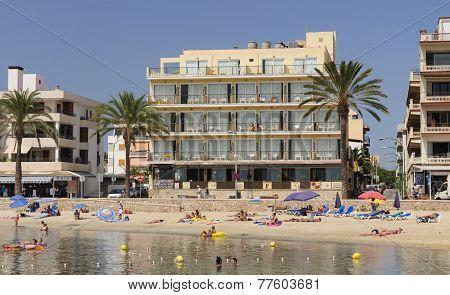 Beach Cala Estancia