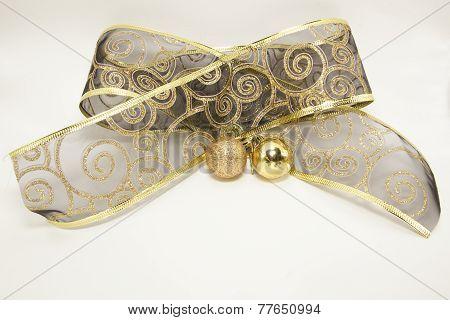 golden ornamental christmas bow