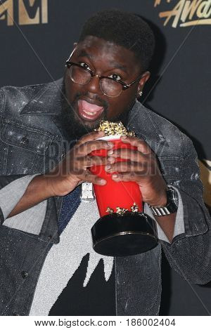 LOS ANGELES - MAY 7:  Lil Rel Howery at the MTV Movie and Television Awards on the Shrine Auditorium on May 7, 2017 in Los Angeles, CA