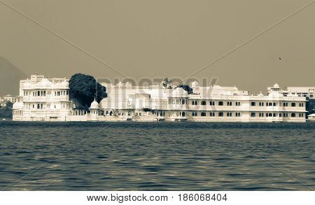 Lake palace view in lake pichola in Udaipur, Rajasthan