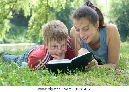 Mum And The Son Reads