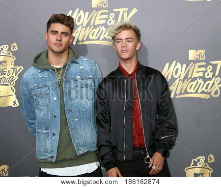 LOS ANGELES - MAY 7:  Jack n Jack, Jack Gilinsky, Jack Johnson at the MTV Movie and Television Awards on the Shrine Auditorium on May 7, 2017 in Los Angeles, CA