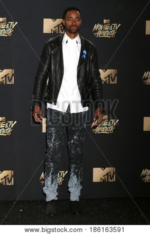 LOS ANGELES - MAY 7:  Jay Ellis at the MTV Movie and Television Awards on the Shrine Auditorium on May 7, 2017 in Los Angeles, CA