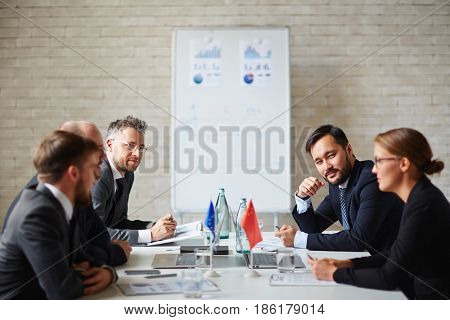 Representatives of several countries having political discussion
