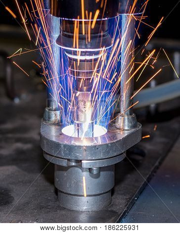 Work of contact welding during the production process
