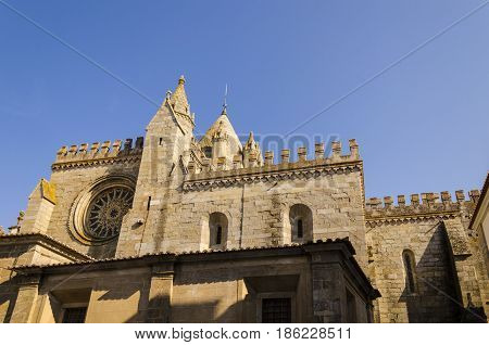 laterl view of the Se cathedral in Evora Unesco heritage site. portugal.