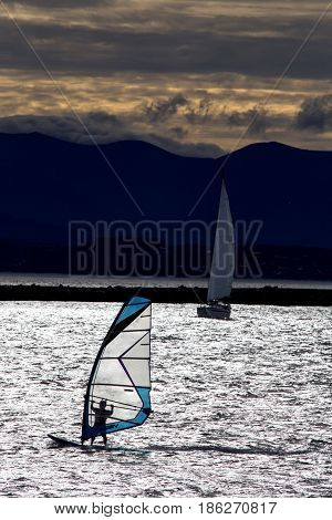 Sailboard Wind Surfer